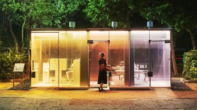 Nhà vệ sinh công cộng độc, lạ ở Nhật Bản (Ảnh: OC)