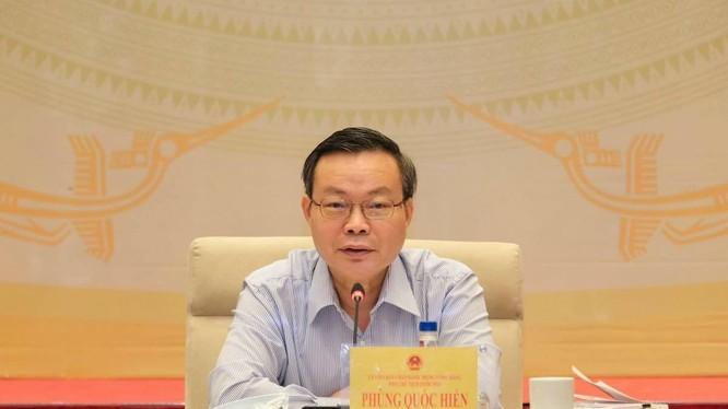 Phó chủ tịch Quốc hội Phùng Quốc Hiển tại phiên giải trình về phát triển điện lực tới năm 2030, ngày 7/9 (Ảnh: Hoàng Giang)
