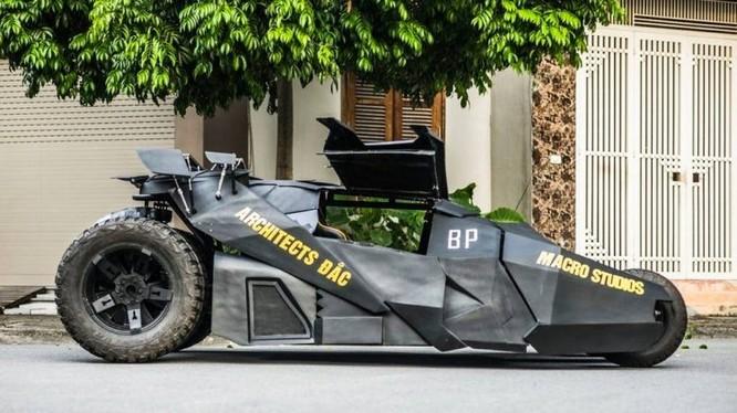 Hình ảnh chiếc batmobile tự chế của cậu thanh niên 23 tuổi (Ảnh: OC)