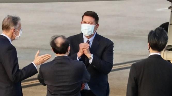 Thứ trưởng Ngoại giao Mỹ Keith Krach đến Đài Bắc trong hôm 17/9 (Ảnh: AFP)