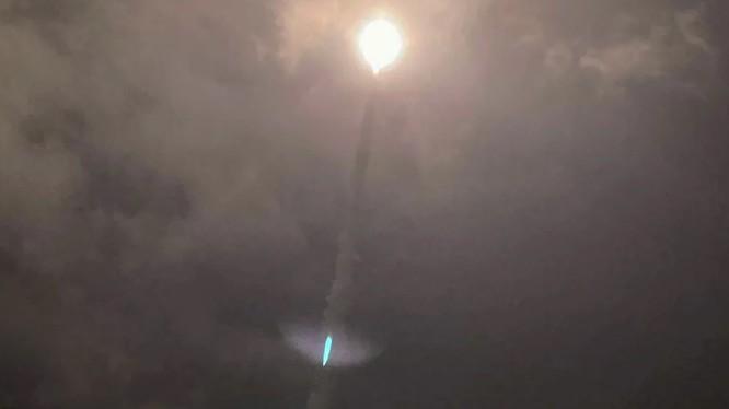 Tên lửa được Đài Loan phóng thử nghiệm trong đêm 24/9 (Ảnh: CNA)