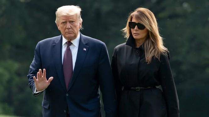 Tổng thống Trump và Đệ nhất phu nhân Melania xét nghiệm dương tính với virus corona chủng mới (Ảnh: AFP)