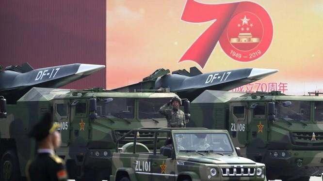 Các căn cứ tên lửa bờ biển đã được trang bị tên lửa đạn đạo DF-17 (Ảnh: AP)