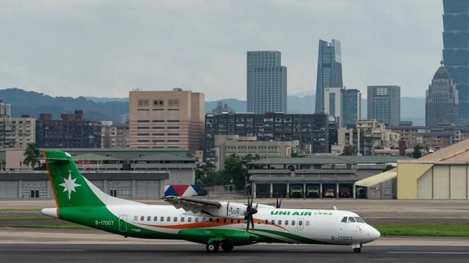 Một chuyến bay của hãng UNI Air hồi tuần trước đã bị khước từ cho đi vào không phận Hong Kong (Ảnh: Shutterstock)