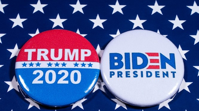 Nước Mỹ đang đứng trước ngã tư đường trong ngày bầu cử 3/11 (Ảnh: Getty)