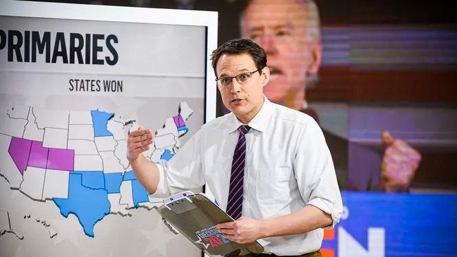 Người dẫn chương trình Steve Kornacki của MSNBC (Ảnh: MSNBC)
