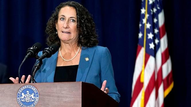 Tòa phán quyết bà Kathy Boockvar không đủ thẩm quyền để gia hạn thời gian bổ sung thông tin nhận dạng cử tri (Ảnh: Fox News)