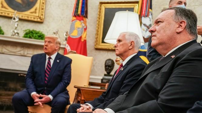 Các cố vấn gồm ông Pompeo và Miek Pence đã cảnh báo ông Trump về một cuộc xung đột diện rộng nếu tấn công Iran (Ảnh: New York Times)