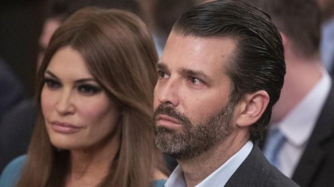 Donald Trump Jr. và bạn gái Kimberly Guilfoyle (Ảnh: BBC)
