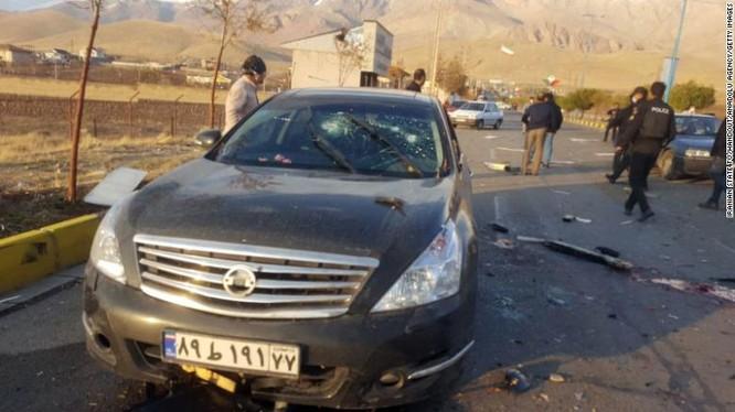 Hiện trường vụ ám sát Tiến sĩ Mohsen Fakhrizadeh (Ảnh: CNN)