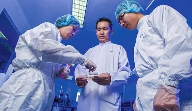 TS. Hồ Nhân, Chủ tịch kiêm Tổng Giám đốc công ty công nghệ sinh học dược Nanogen (Ảnh: Forbes VN)