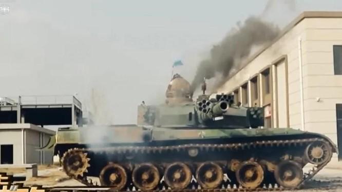 Xe tăng Type 96A xuất hiện trong cuộc tập trận giả định chiến tranh đường phố với Đài Loan, được CCTV công chiếu (Ảnh: CCTV)
