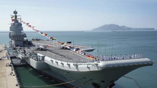 Tàu sân bay Sơn Đông của Trung Quốc (Ảnh: Economic Times)