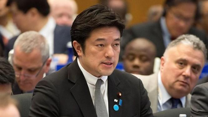 Thứ trưởng Quốc phòng Nhật Bản Yasuhide Nakayama (Ảnh: SCMP)