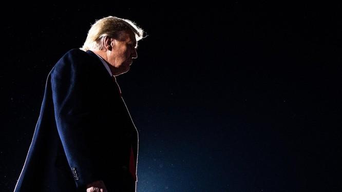 Tổng thống Trump đang muốn có một lệnh ân xá cho bản thân? (Ảnh: NYTimes)