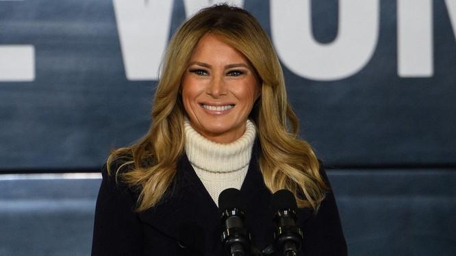 Đệ nhất phu nhân Melania Trump nói lời từ biệt trước khi rời Nhà Trắng (Ảnh: Verietyinfo)