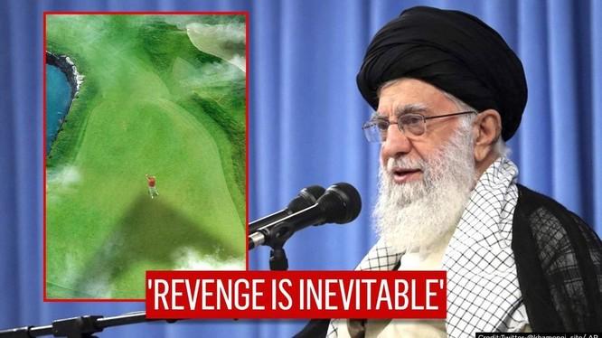 Lãnh tụ tối cao Iran và bức ảnh được đăng tải trên Twitter (Ảnh: AP)