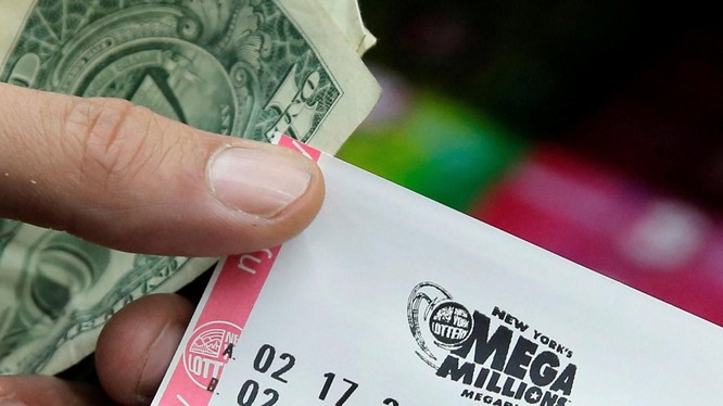 Một tấm vé của hãng Mega Millions (Ảnh: NBC News)