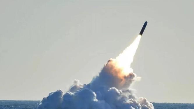 Tên lửa đạn đạo mới của Trung Quốc, JL-3, được cho là có tầm bắn trên 10.000 km (Ảnh: Handout)