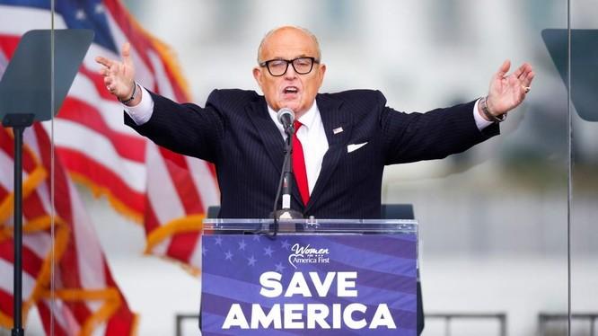 Luật sư riêng của ông Donald Trump, Rudy Giuliani (Ảnh: RT)