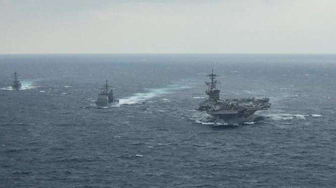 Nhóm tác chiến tàu USS Theodore Soosevelt trên biển Thái Bình Dương ngày 15/1 (Ảnh: RT)