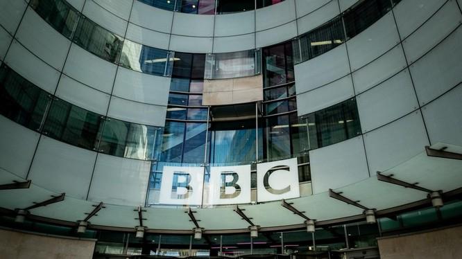 Đài BBC của Anh hứng chỉ trích kịch liệt từ giới truyền thông và mạng xã hội Trung Quốc (Ảnh: SCMP)