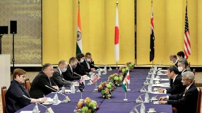 """Cuộc họp nhóm """"Bộ Tứ"""" hồi tháng 10/2020 (Ảnh: IndiaExpress)"""
