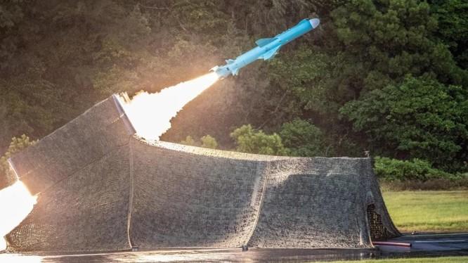 Tên lửa Hsiung Feng II được Đài Loan tự phát triển (Ảnh: AFP)