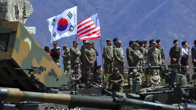 Lính Mỹ và Hàn Quốc tập trận chung hồi năm 2017. Ảnh: AFP.