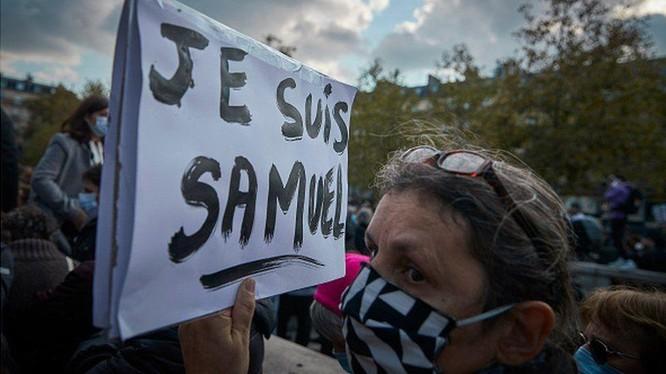 Cái chết của thày giáo Samuel Paty làm dấy lên nhiều cuộc tuần hành khắp nước Pháp (Ảnh: Getty)