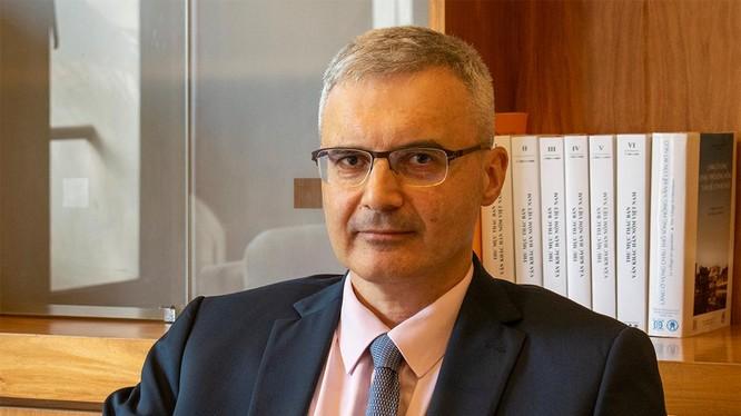 Đại sứ Pháp Nicolas Warnery trong cuộc phỏng vấn ngày 11/3. Ảnh: Nguyễn Tiến.