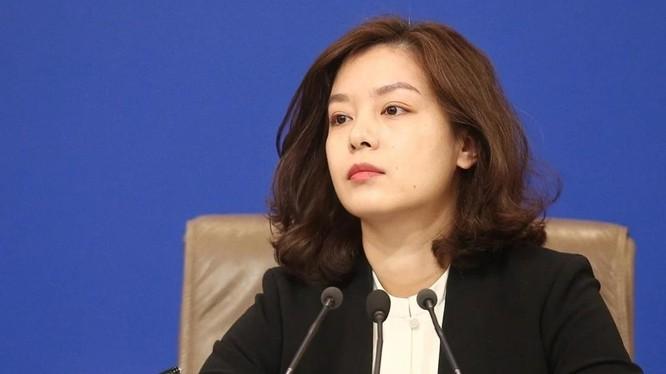 Nữ phiên dịch viên của Trung Quốc Zhang Jing (Ảnh: SCMP)