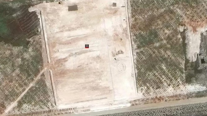 Ảnh vệ tinh cho thấy bãi đất mới mà Trung Quốc bồi đắp phi pháp trên đá Xu Bi (Ảnh: Handout)