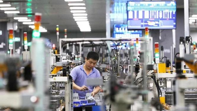 Bên trong xưởng sản xuất của Midea ở Phật Sơn, Quảng Đông, Trung Quốc (Ảnh: Xinhua)