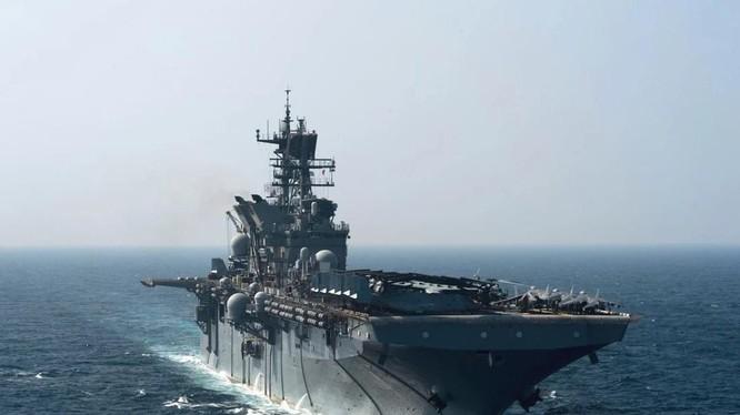 Nhóm sẵn sàng lưỡng cư Mỹ USS Makin Island đã được triển khai tới Biển Đông hồi tuần trước để tham gia tập trận (Ảnh: US Navy)