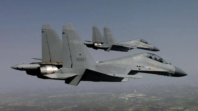 Chiến đấu cơ J-16 của không quân Trung Quốc (Ảnh: 81.com)