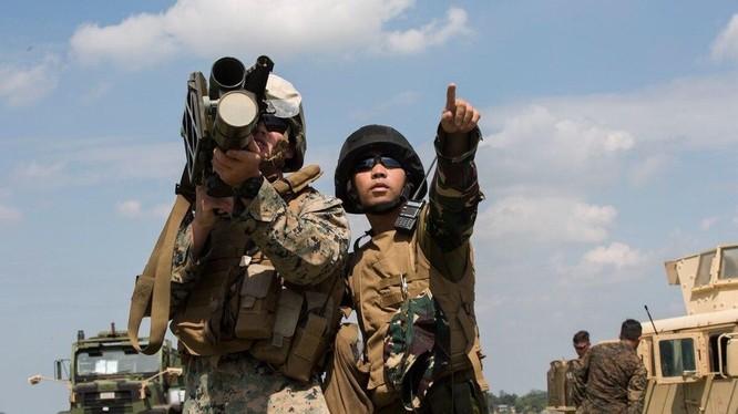 Lính Mỹ và Philippines trong một nội dung tập trận chung hồi tháng 10/2019 (Ảnh: US Marine Corps)