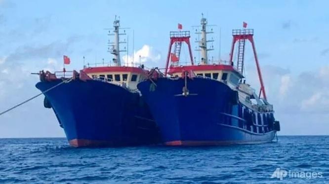 Tàu Trung Quốc tại bãi đá Ba Đầu, quần đảo Trường Sa, thuộc chủ quyền của Việt Nam hôm 27/3 (Ảnh: AP)