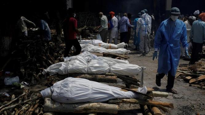 Làn sóng dịch COVID-19 thứ hai gây ra thảm kịch ở New Delhi và nhiều khu vực khác của Ấn Độ (Ảnh: VOA)