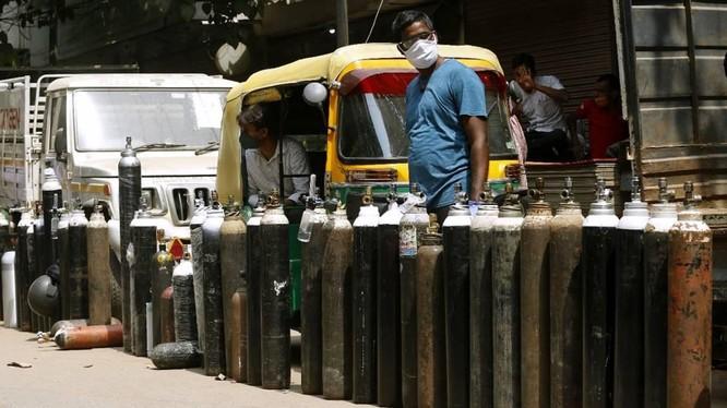 diễn biến dịch COVID-19 ở Ấn Độ vẫn hết sức nghiêm trọng (Ảnh: India Express)