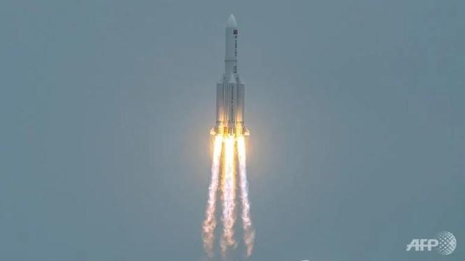 Tên lửa Trường Chinh - 5B của Trung Quốc được phóng ngày 29/4 (Ảnh: AFP)