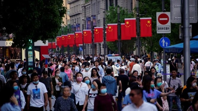 Dân số Trung Quốc đã tăng lên 1,412 tỉ người trong năm 2020 (Ảnh: Reuters)