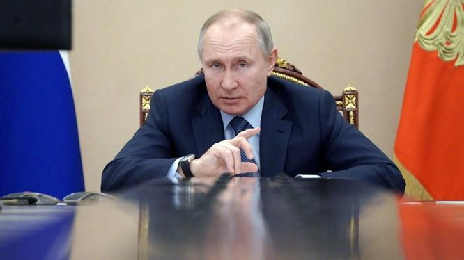 Trong cuộc gặp các đảng phái chính trị của Nga tại Điện Kremlin ngày 23/9/2016, Tổng thống Nga V.Putin cho rằng sẽ ra Liên Xô không bị giải thể nếu có chương trình cải cách đúng hướng và có hiệu quả (Ảnh: Sputnik).
