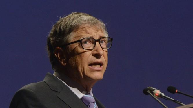 Có tin đồn cho rằng Bill Gates bị buộc từ chức tại Microsoft do bê bối tình ái với cấp dưới (Ảnh: Entrepreneur)