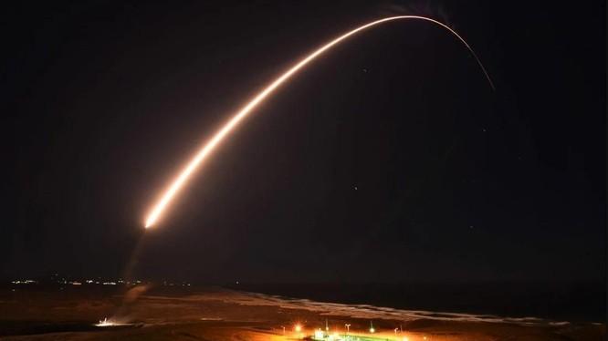 Trung Quốc kêu gọi Nga và Mỹ cắt giảm số lượng đầu đạn hạt nhân (Ảnh: Handout)