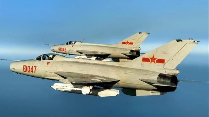 Mẫu chiến đấu cơ J-7 của Trung Quốc (Ảnh: Handout)