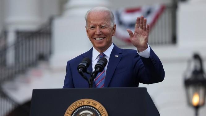 Tổng thống Mỹ Joe Biden trong bài phát biểu ngày 4/7 tại Nhà Trắng (Ảnh: Reuters)