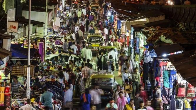 Cuộc sống về đêm ở Mumbai, thành phố được xếp hạng là căng thẳng nhất để sống (Ảnh: Getty)