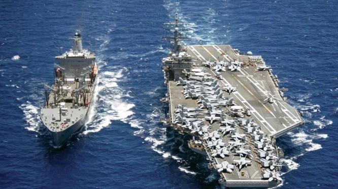 Tàu sân bay USS Ronald Reagan của Mỹ thực hiện chiến dịch tự do hàng hải trên Biển Đông (Ảnh: Handout)