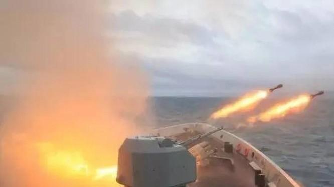 Chỉ trong nửa đầu năm 2021, Trung Quốc đã tổ chức tới 20 cuộc tập trận hải quân (Ảnh: Handout)